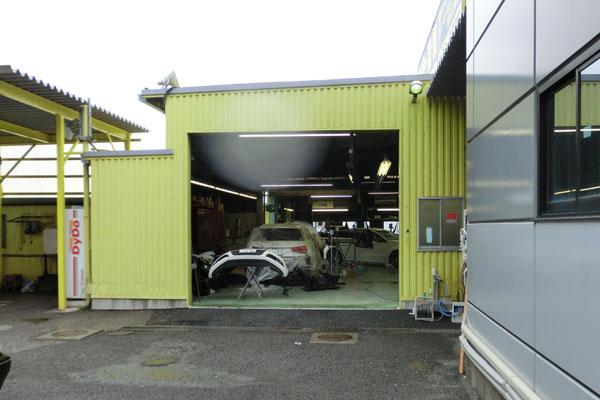 自前の自動車整備工場